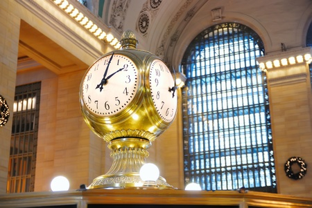 blur subway: New York City Grand Central old fashion style clock.