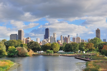 Chicago skyline with skyscrapers viewed from Lincoln Park over lake. Stock Photo - 12575180