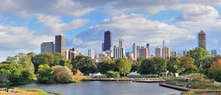 Chicago skyline with skyscrapers viewed from Lincoln Park over lake Stock Photo - 12574025