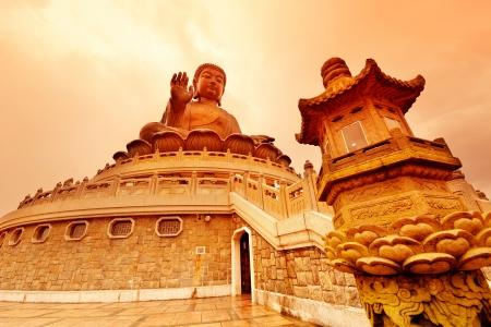 Hong Kong の巨大な青銅の仏像。