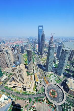 하루에 도시 건축과 푸른 하늘 상하이 도시 공중보기입니다. 스톡 콘텐츠
