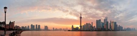 강 상하이 아침에 도시의 스카이 라인의 실루엣 스톡 콘텐츠