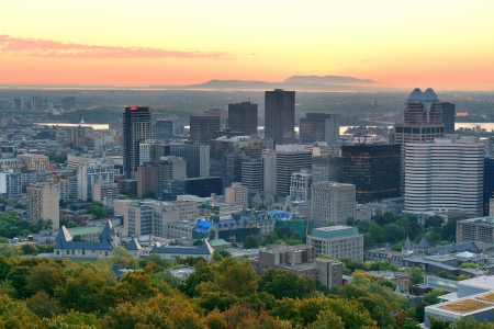 montreal: Montreal sunrise viewed from Mont Royal with city skyline in the morning