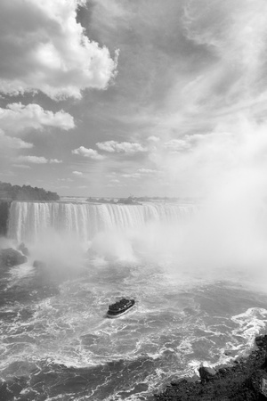 horseshoe falls: Boat and Horseshoe Falls from Niagara Falls in black and white