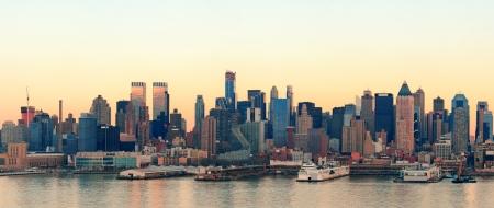 panorama view: New York City Manhattan skyline tramonto vista panoramica sul fiume Hudson Archivio Fotografico