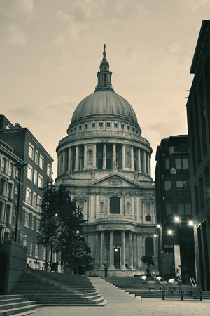 st pauls: St Pauls Cathedral in the mornign in London.