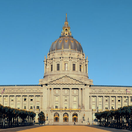 sf: San Francisco city hall as the famous historical landmarks.