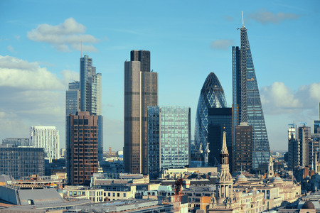 London city rooftop view with urban architectures. 免版税图像 - 37893547