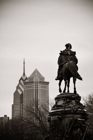 george washington: Estatua de George Washington y Filadelfia arquitectura de la ciudad