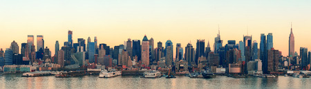 hudson: New York City midtown Manhattan sunset skyline panorama view over Hudson River