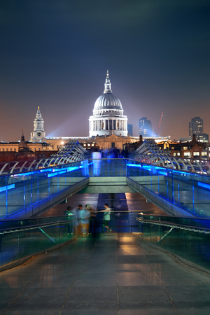 millennium bridge: Millennium Bridge and St Pauls Cathedral at night in London