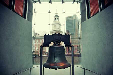 liberty bell: Liberty Bell and Independence Hall in Philadelphia