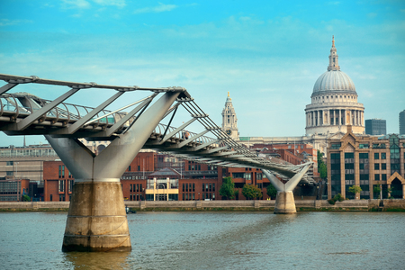st pauls: St Pauls Cathedral and Millennium Bridge in London.