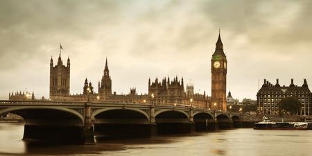 Panorama de la Chambre du Parlement à Westminster à Londres. Banque d'images