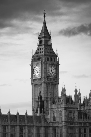 english famous: Big Ben of London as the famous landmark and icon of the city.