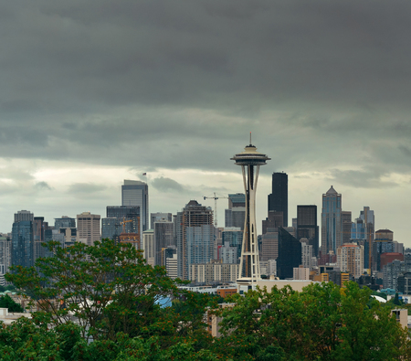 space needle: Space Needle and Seattle downtown skyline from Kerry Park.