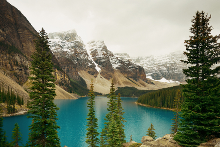 rocky mountain national park: Moraine Lake with snow capped mountain of Banff National Park in Canada