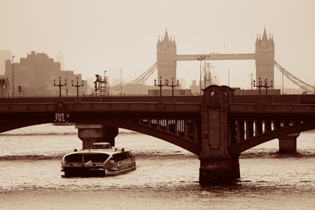 London silhouette with bridges over Thames River. Reklamní fotografie