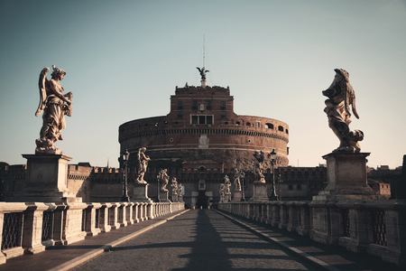 Castel Sant Angelo Angelo statua del primo piano a Roma, Italia.