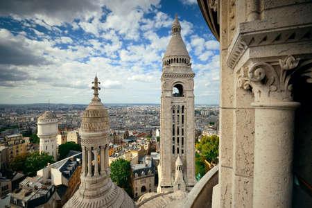 sacre coeur: Vue du haut de la cathédrale du Sacré-Coeur à Paris, France.