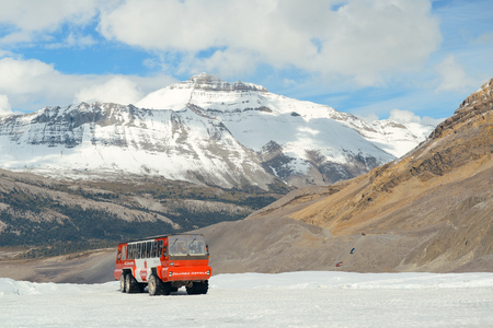 banff national park: BANFF NATIONAL PARK, CANADA - SEPTEMBER 4: Columbia Icefield with Snow Coach on September 4, 2015 in Banff National Park, Canada. It is the largest ice field in the Rocky Mountains of North America.