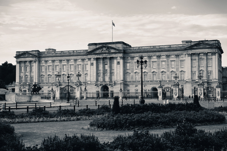 buckingham palace: Buckingham Palace in the morning in London. Editorial