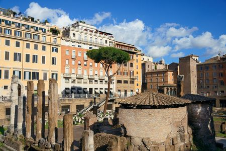 buidings: Street view with historical buidings and ruins in Rome, Italy.