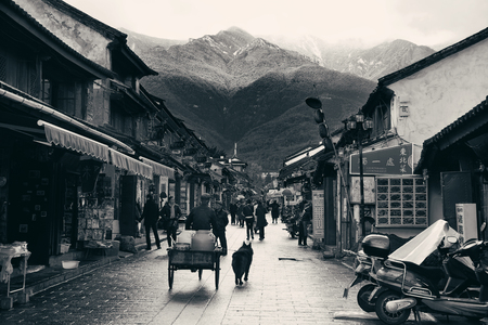 '5 december': DALI, CHINA - DEC 5: Street view on December 5, 2014 in Dali, China. Dali is the ancient capital of Nanzhao in 8-9th centuries and Kingdom of Dali and major travel attractions in China.