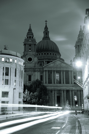 st pauls: Urban historical architecture in London.