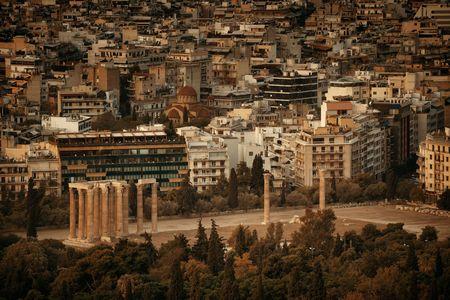 ギリシャ、アテネのゼウス神殿の空撮。