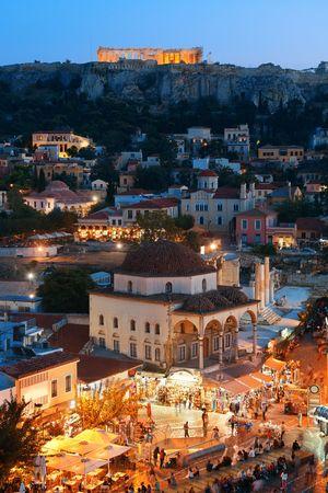 밤, 그리스 아테네 스카이 라인 옥상보기. 에디토리얼