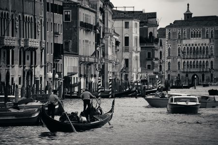 Busy water traffic in Grand Canal in Venice, Italy. Banque d'images