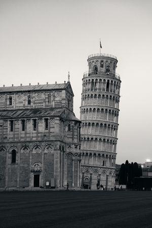 Scheve toren in Pisa, Italië als wereldwijd bekend oriëntatiepunt. Stockfoto