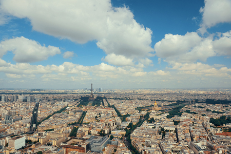 Paris rooftop view panorama with Eiffel Tower and city skyline. Banque d'images - 127360879
