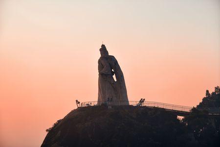 XIAMEN, CHINA – FEB 16: Zheng Chenggong statue closeup on February 26, 2018 in Xiamen. Xiamen was ranked as Chinas 2nd-most suitable city for living 新聞圖片