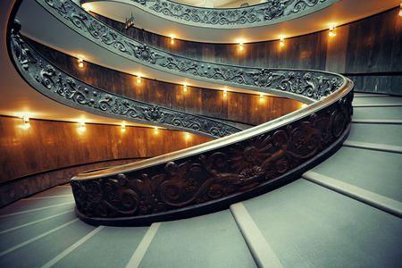 バチカン美術館の螺旋階段。