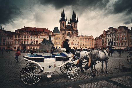 PRAGUE – OCT 8: Horse Wagon in Old Town Square on October 8, 2016 in Prague, Czech Republic. Prague is the capital and largest city in Czech Republic with rich culture and history. 에디토리얼