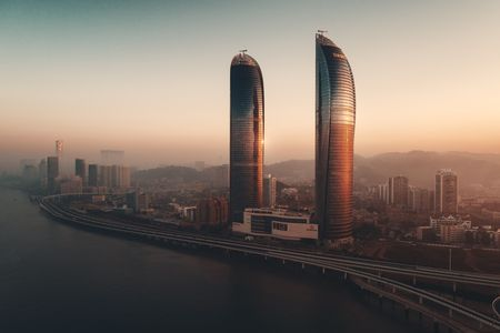 XIAMEN, CHINA – FEB 16: Aerial view of city skyline at sunrise on February 26, 2018 in Xiamen. Xiamen was ranked as Chinas 2nd-most suitable city for living 에디토리얼