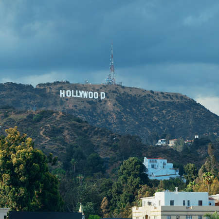 Los Angeles, CA - MAY 18: Hollywood sign on mountain on May 18, 2014 in Los Angeles. Originated as a real estate promotion, it is now the famous landmark of LA and US. 新闻类图片
