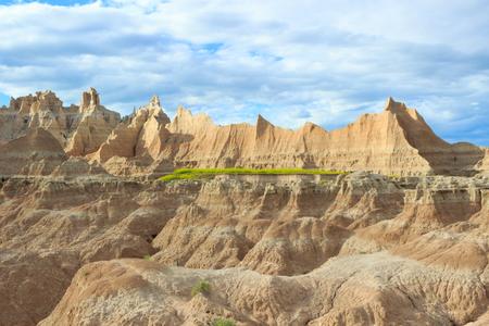 south dakota: Landscape view of Badlands National Park in South Dakota
