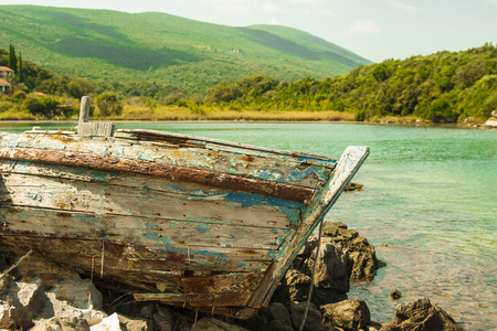 beached: Old boat