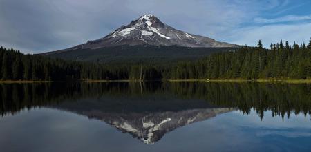 trillium lake: Trillium