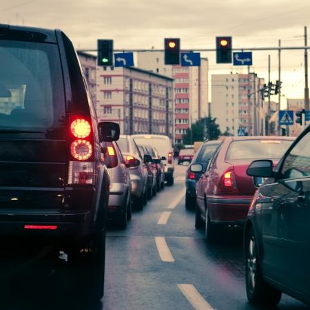 freins: Embouteillages dans la ville.