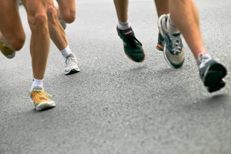 personas corriendo: Personas que se ejecutan en marat�n de la ciudad