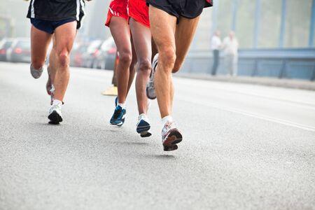 People running in city marathon  Zdjęcie Seryjne