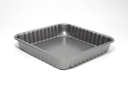 bakeware: bakeware baking dish isolated on white background