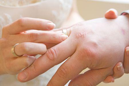 chosen one: Bride wear ring to her chosen one Stock Photo