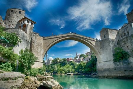 모스 타르 좋은 오래 된 다리 - 유네스코에 의해 보호 스톡 콘텐츠