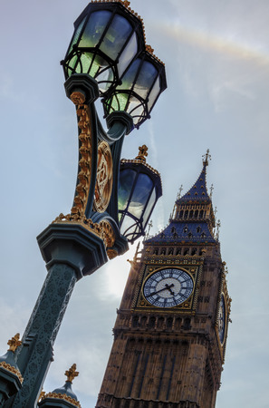 big ben light photo