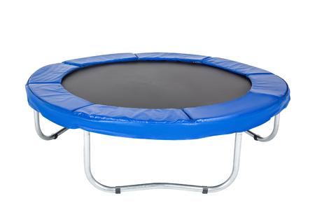 Trampolin für Kinder und Erwachsene für Spaß drinnen oder draußen Fitness springen auf weißem Hintergrund. Blaues Trampolin isoliert Standard-Bild